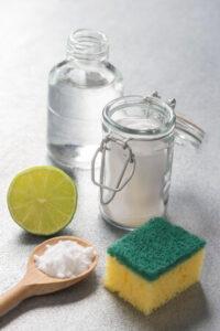 Ingredienti per pulire box doccia cristallo